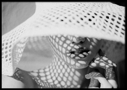 Sun Hat Shade Poster in the group Posters & Prints / Black & white at Desenio AB (10034)