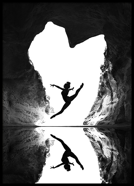 A beating heart Poster in the group Posters & Prints / Black & white at Desenio AB (10694)