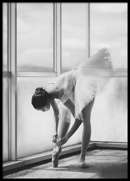 Ballerina Preparation Poster in the group Posters & Prints / Black & white at Desenio AB (10695)