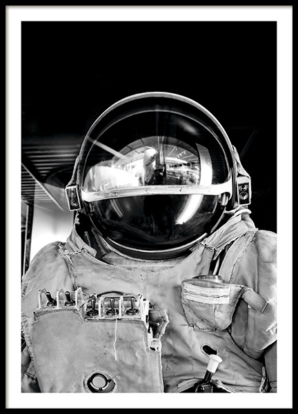 Black and White Astronaut Poster in the group Posters & Prints / Photography at Desenio AB (11166)