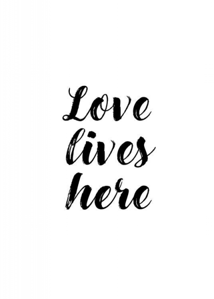 Love Lives Poster in the group Posters & Prints / Typography & quotes at Desenio AB (13023)