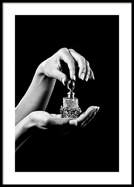 B&W Perfume Bottle Poster in the group Posters & Prints / Photography / Black & white photography at Desenio AB (14394)