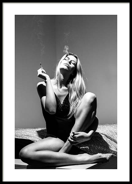Smoking Woman Poster in the group Posters & Prints / Black & white at Desenio AB (3800)