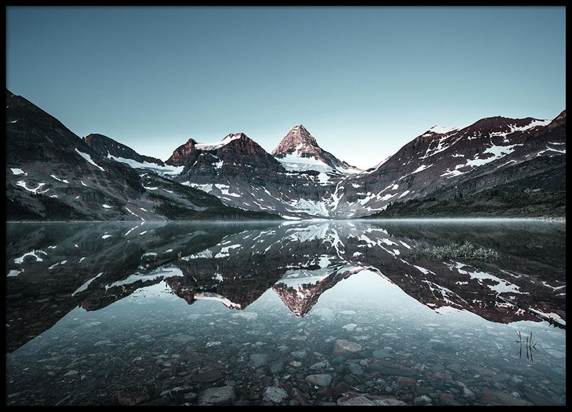 Print with photo art of mountains and water for harmonious interior design