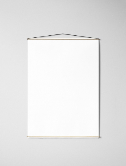 Moebe Poster hanger 50cm, Brass in the group Picture frames / Moebe frames at Desenio AB (PHBR50BO)