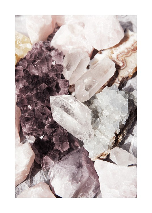 – Photograph with close up of a bundle of crystals in beige, white and purple