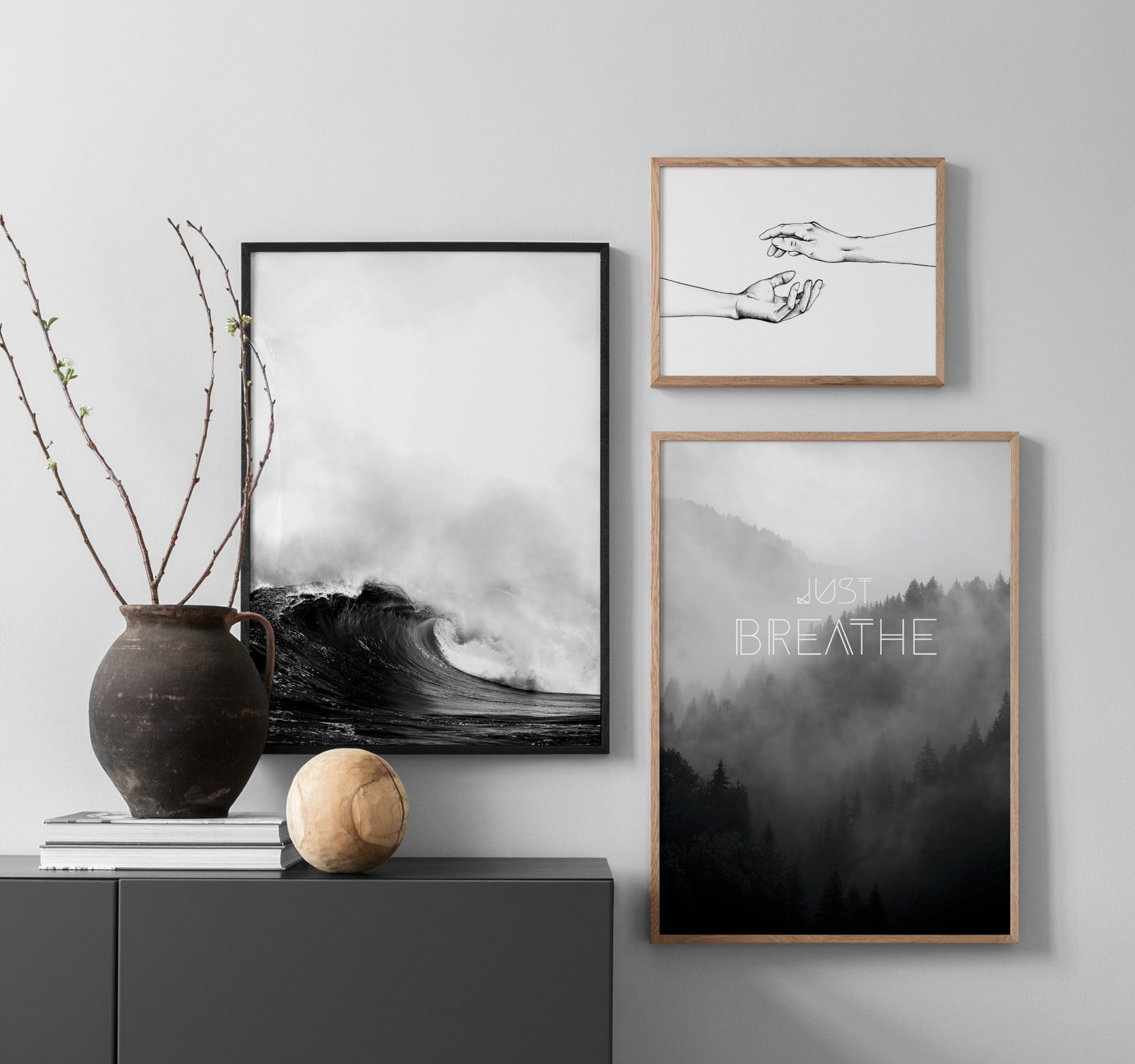 Interior inspiration – black-and-white hallway prints