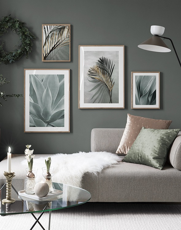Inspiration living room in green tones with botanical prints