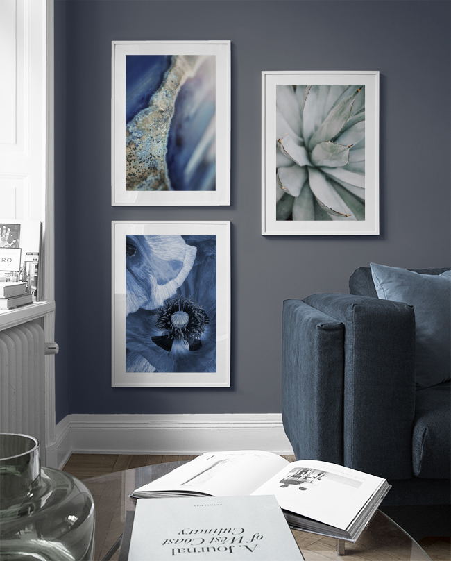Decorate living room with blue