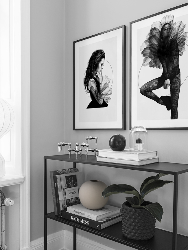 black and white decor living room